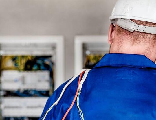 Commercial Electrician Hallam